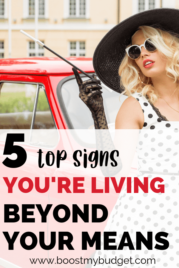 Are you living beyond your means? Get to know the top 5 warning signs in this post. Recognize yourself? It's time to take control of your money situation and sort out your personal finance for good!