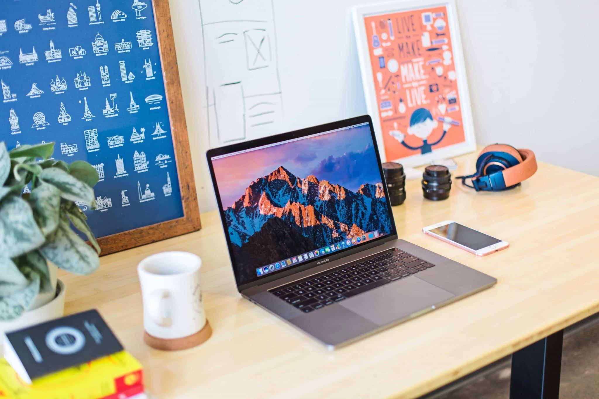 selling t shirts online laptop set up
